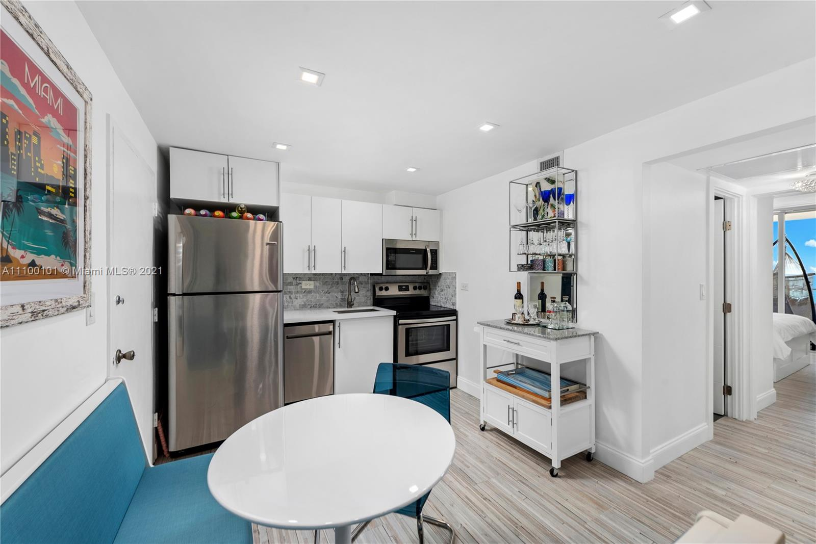 5555 Collins Ave #7F photo019