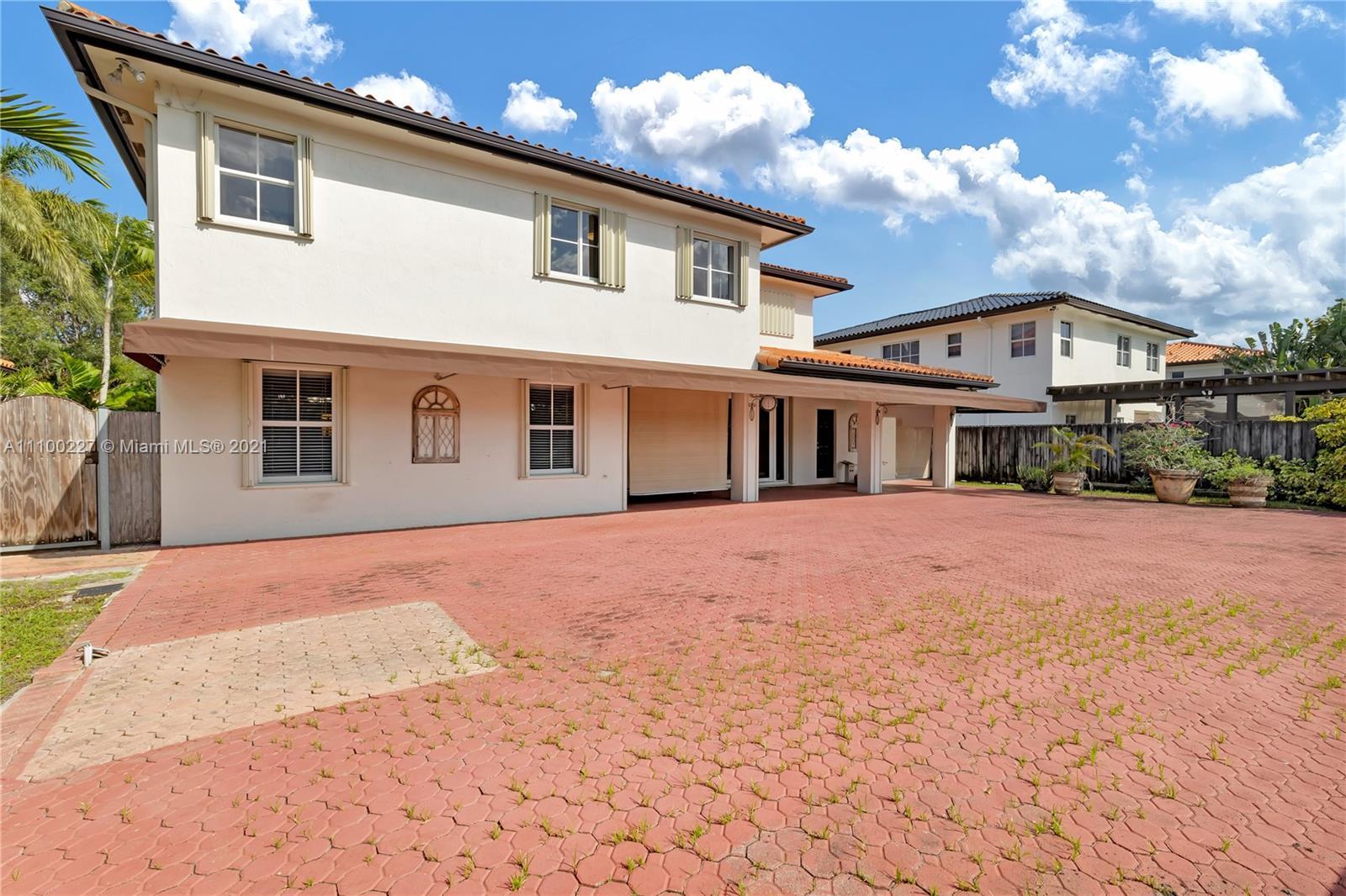 Single Family Home,For Sale,601 S Mashta Dr, Key Biscayne, Florida 33149,Brickell,realty,broker,condos near me