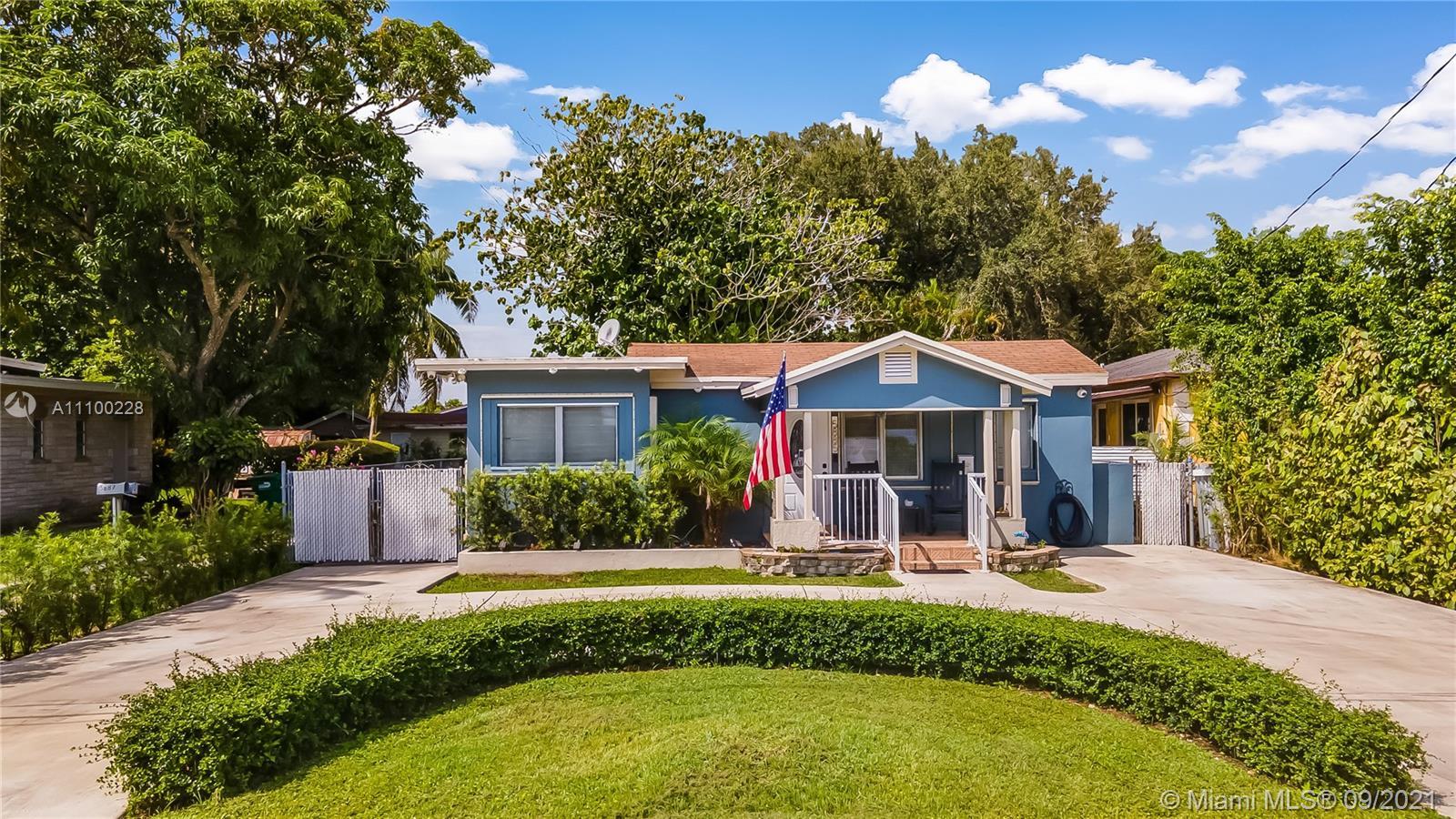 Single Family Home For Sale TAMIAMI ACRES PLAN 11,458 Sqft