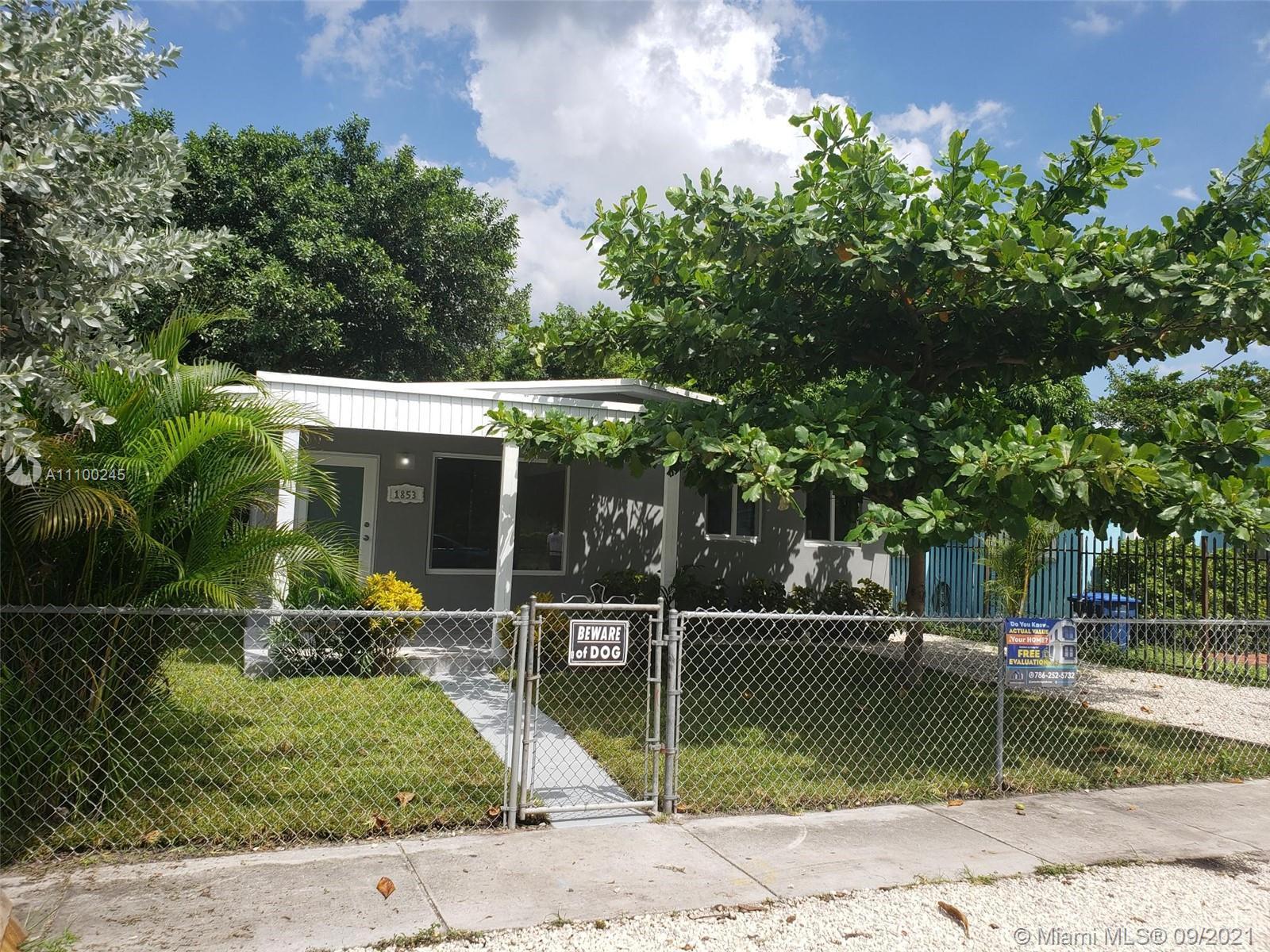 Single Family Home For Sale LIBERTY CITY985 Sqft