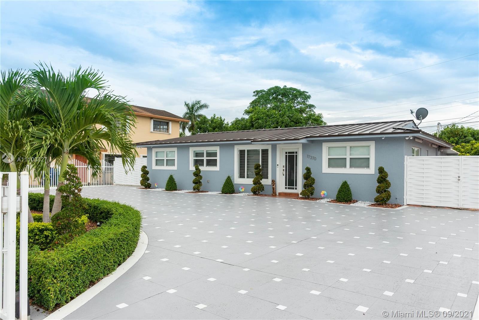 Single Family Home For Sale CAROL CITY LAKE STEVEN ES1,225 Sqft