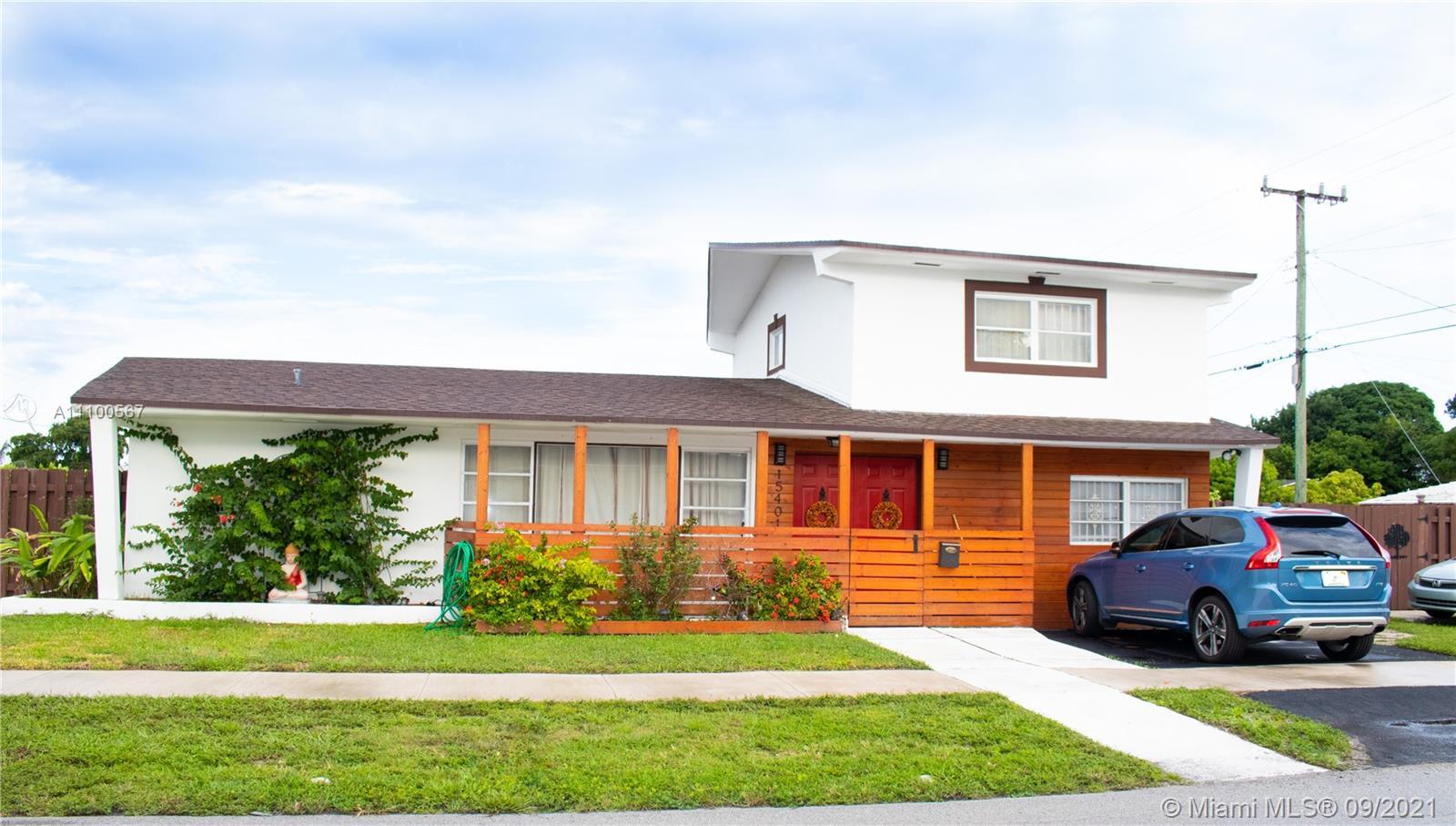 Single Family Home For Sale RAINBOW PARK1,828 Sqft