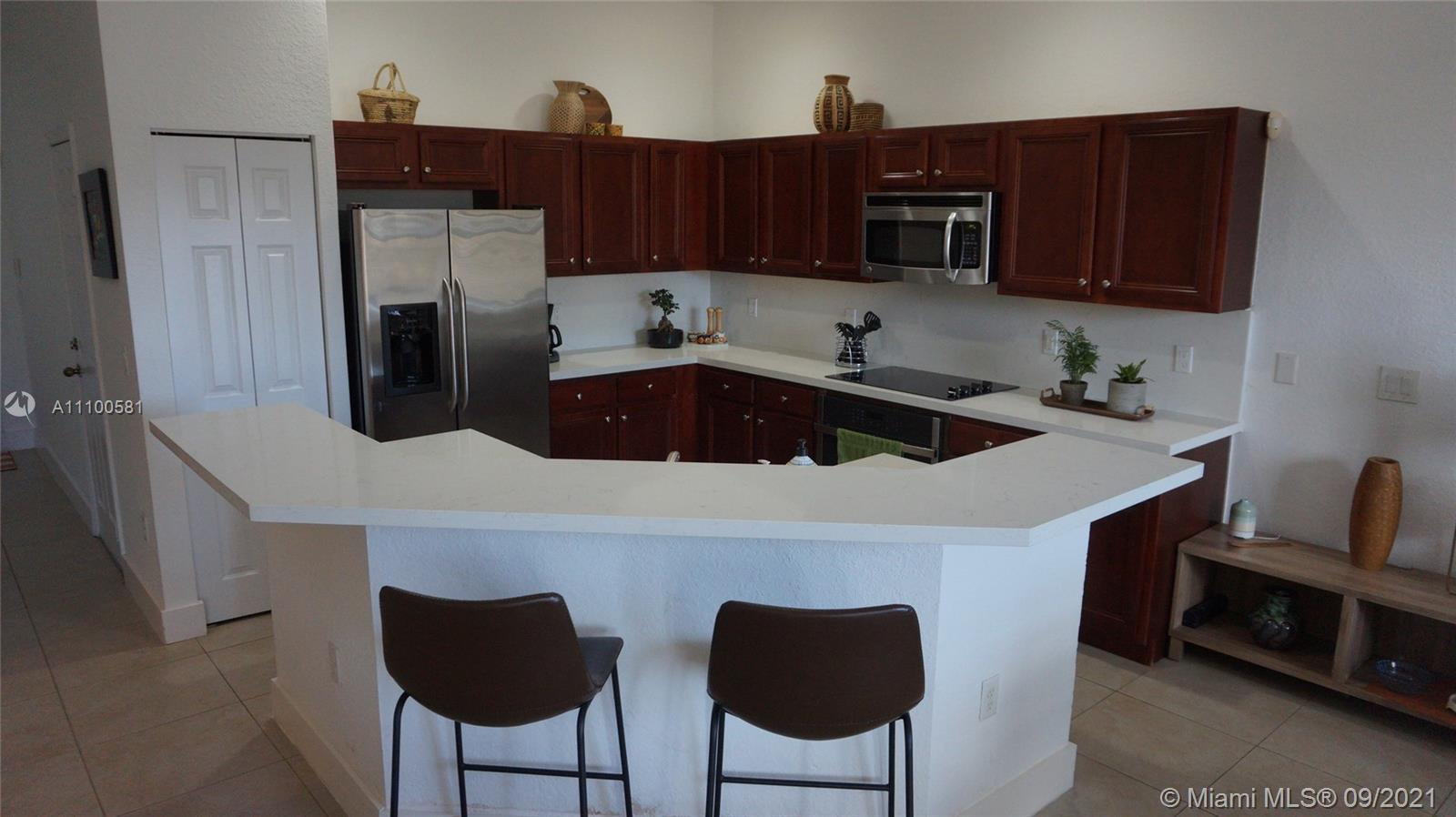 Condo For Rent at IVES DAIRY TOWNHOMES