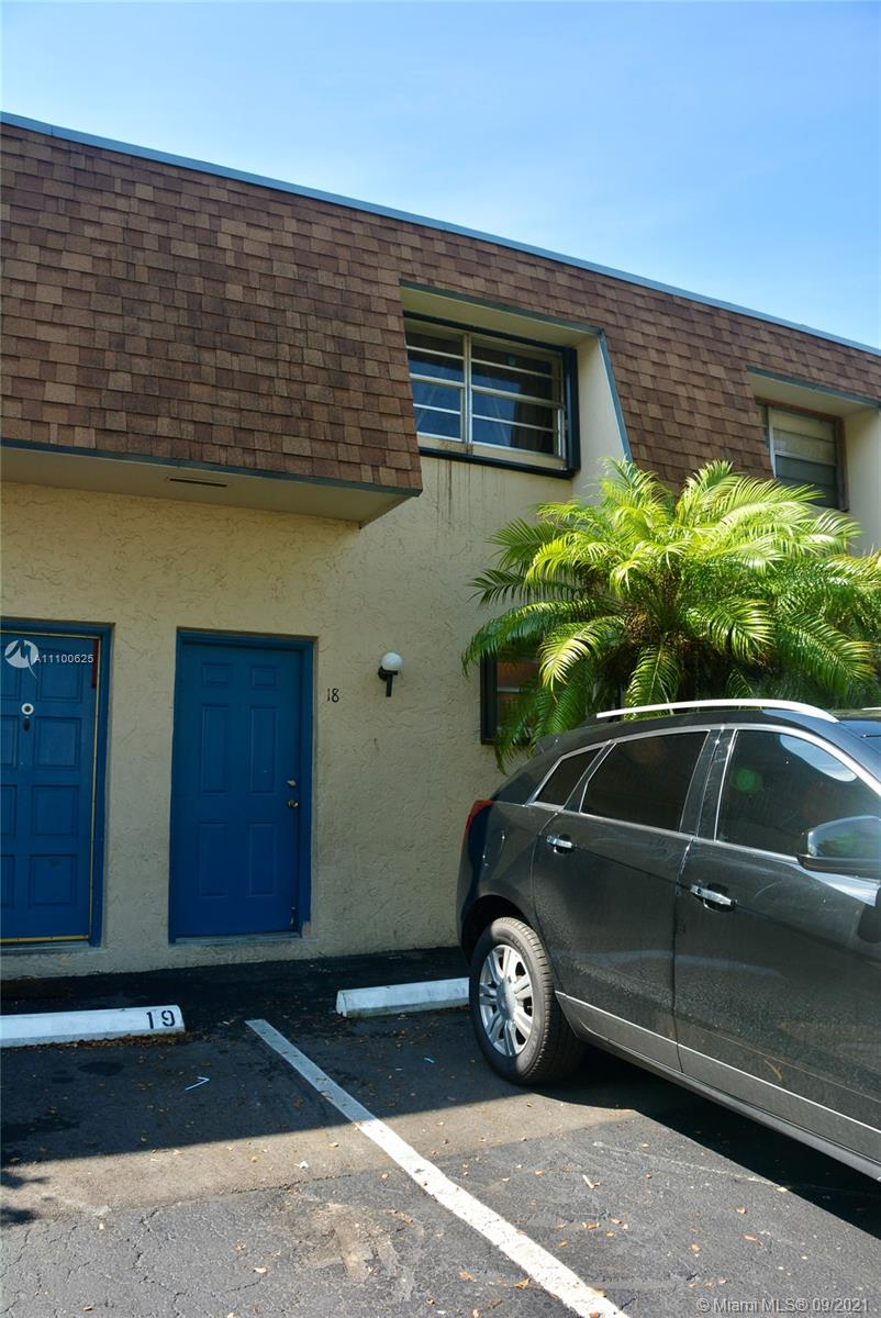Condo For Sale at CORAL REEF TOWNHOUSES CON