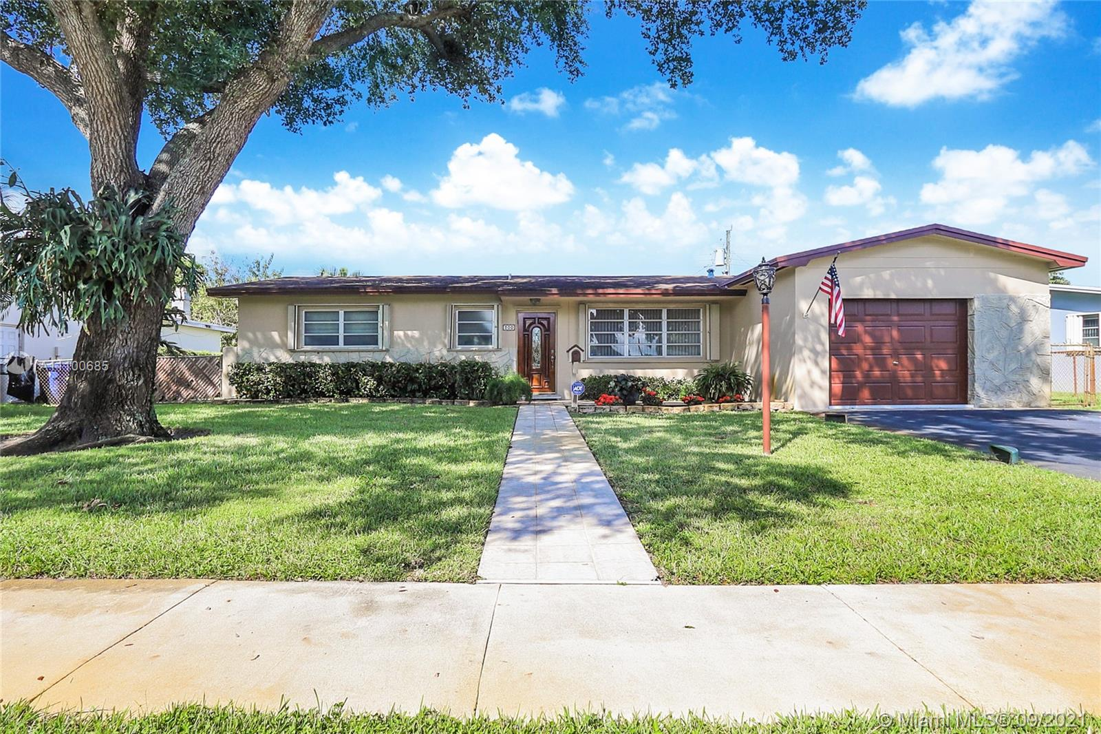 Boulevard Heights - 200 NW 77th Way, Pembroke Pines, FL 33024