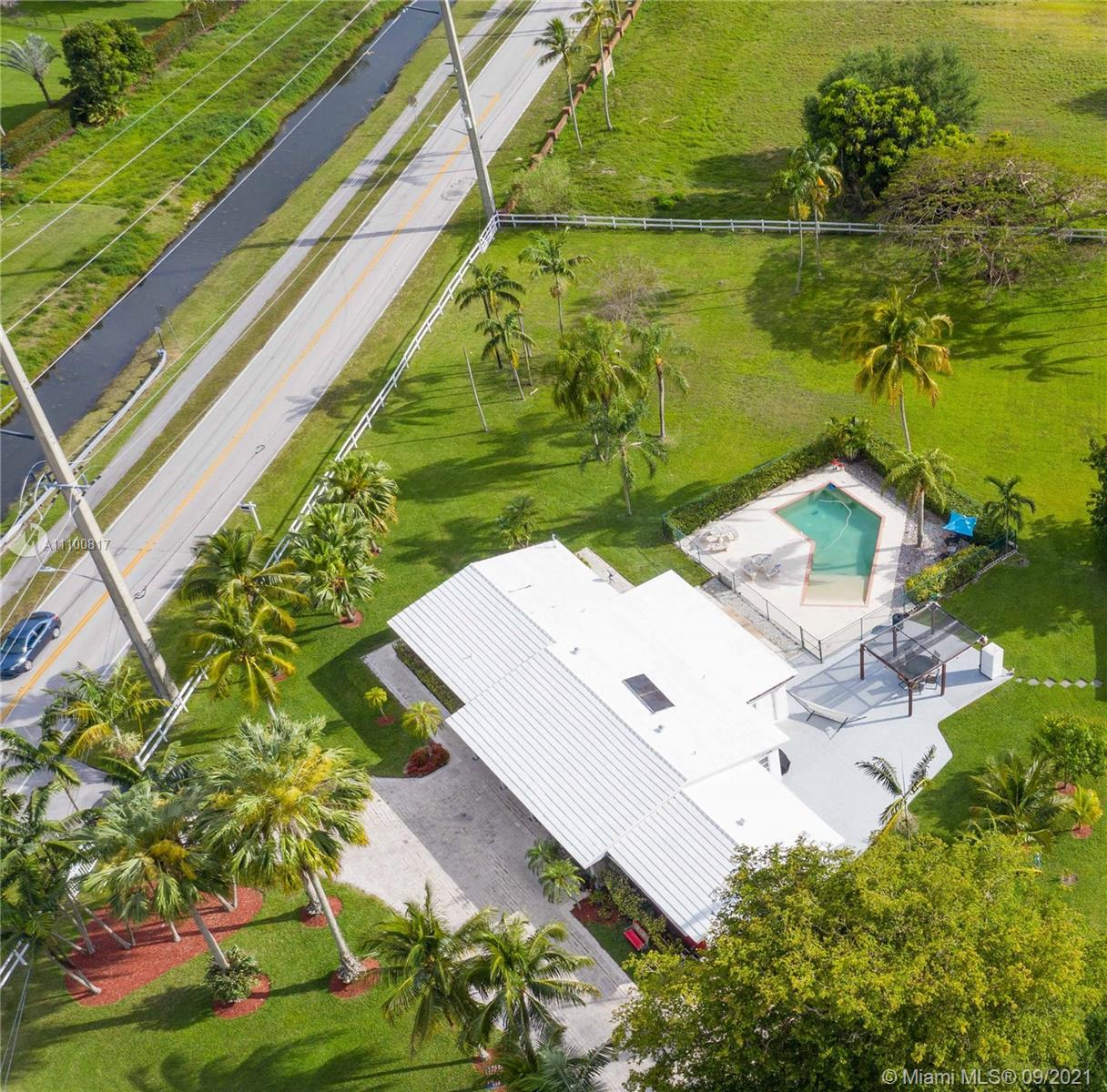 1401 SW 136th Ave photo022