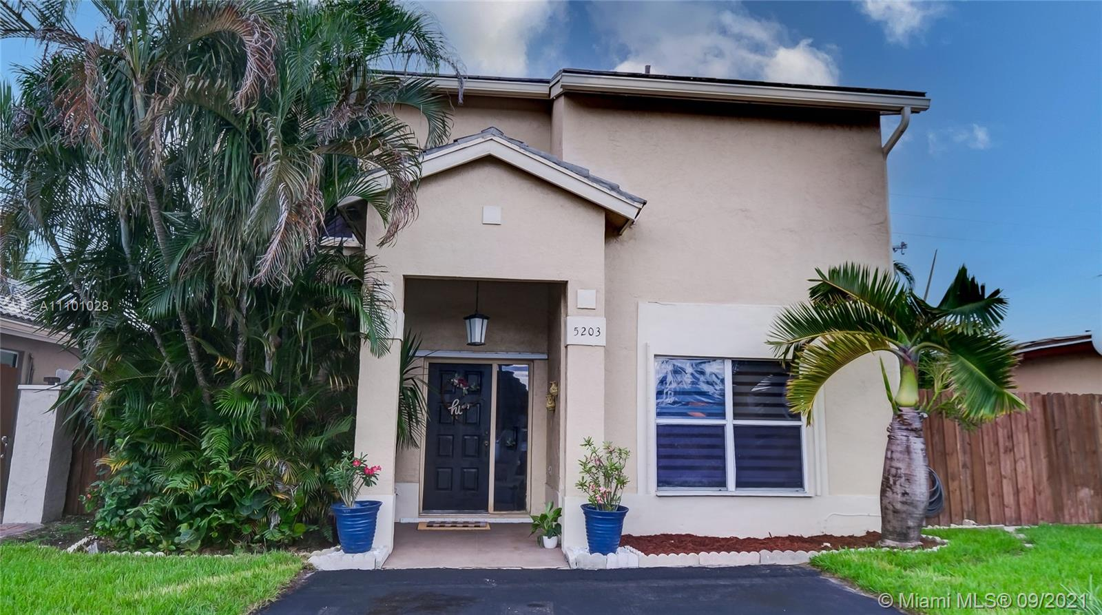 Single Family Home For Sale MONTERREY 4TH ADDN1,556 Sqft