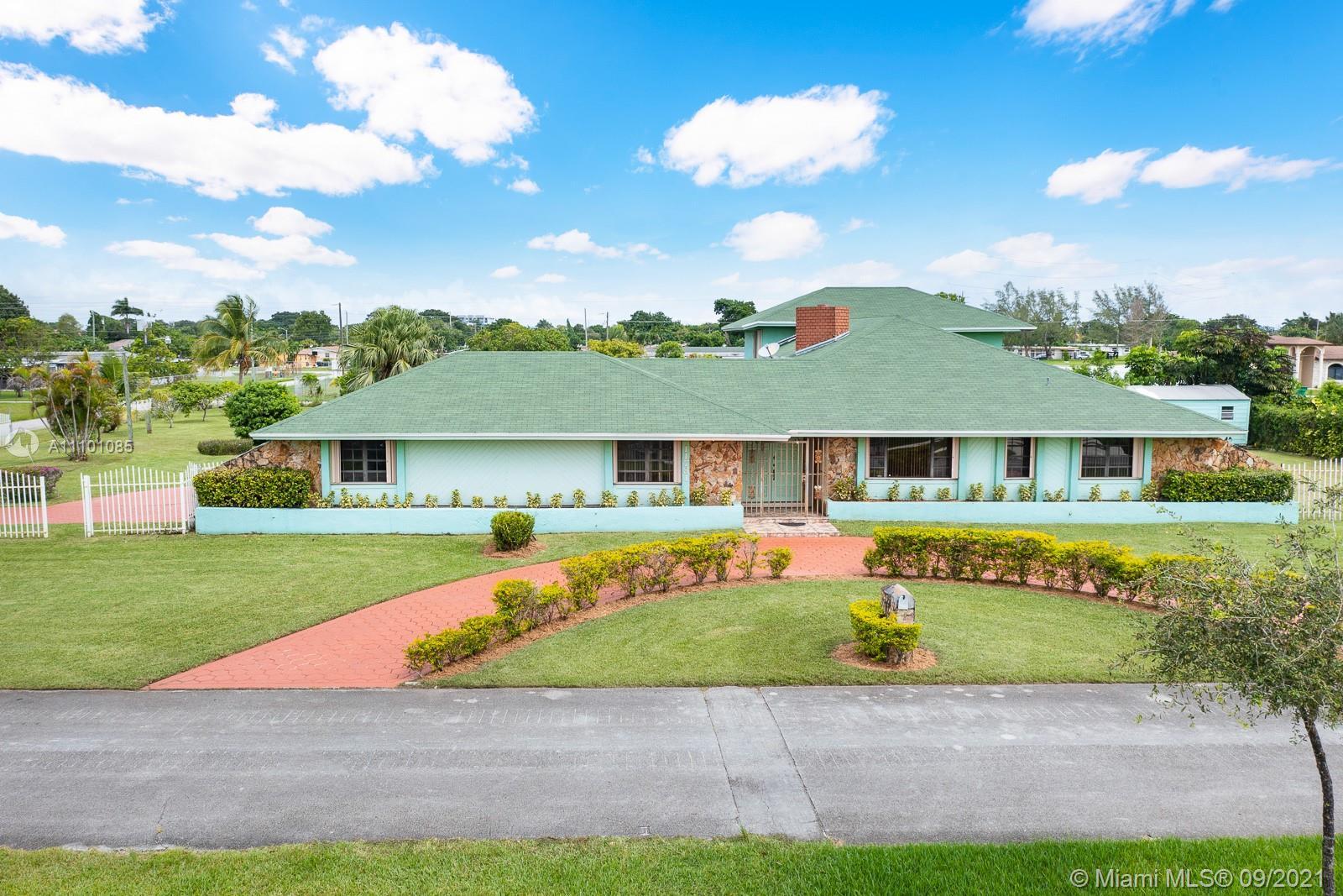 Single Family Home For Sale GOULDS ESTATES SEC 13,829 Sqft