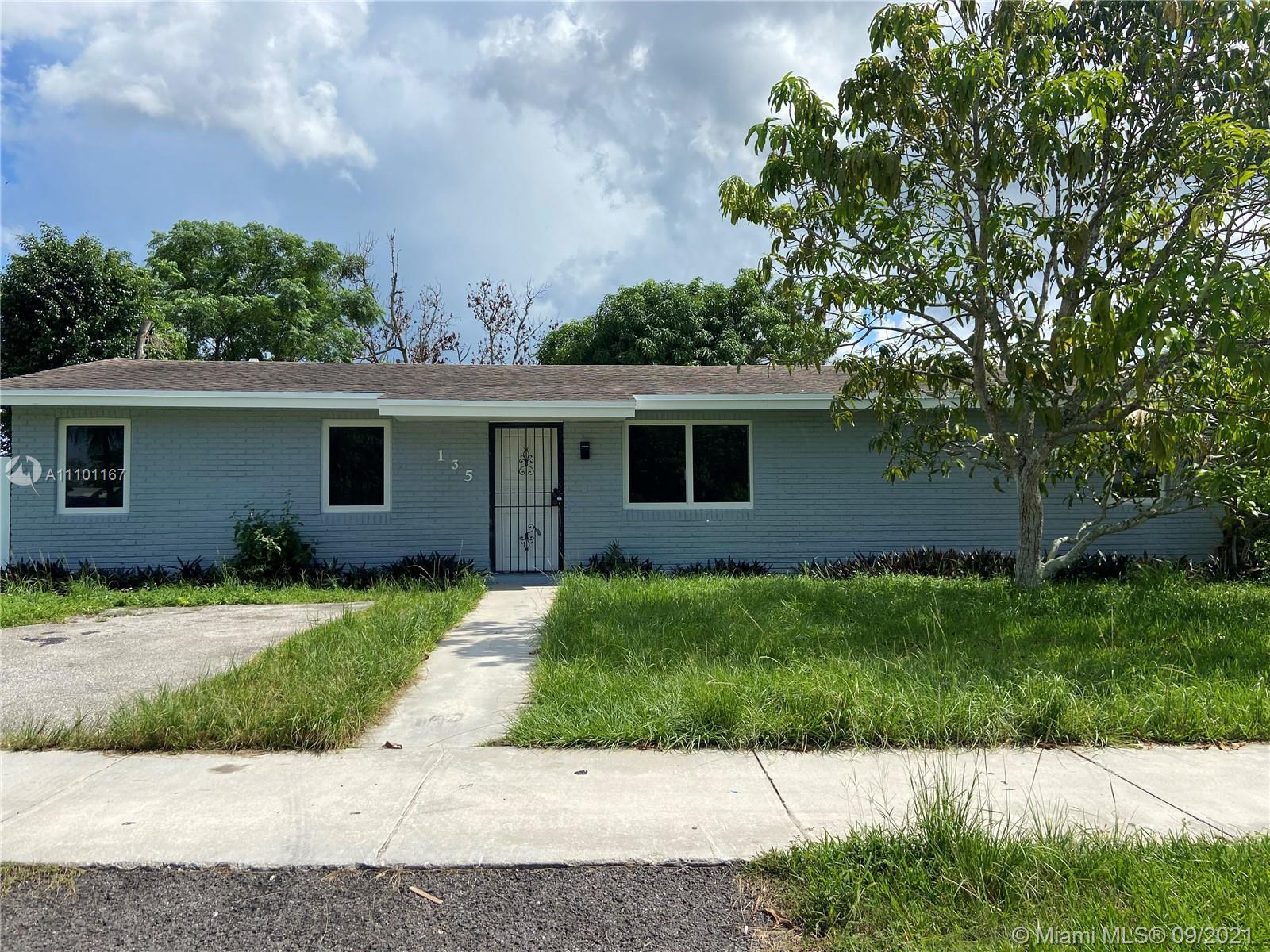 Single Family Home For Sale AVOCADO VILLAS2,050 Sqft