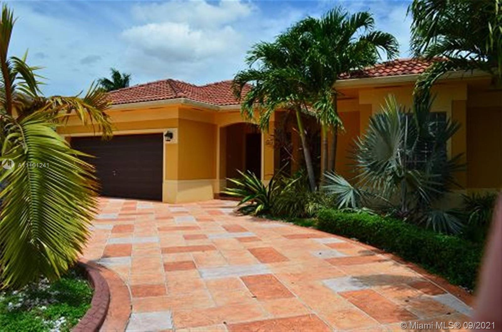 Single Family Home,For Rent,5303 SW 165 CT, Miami, Florida 33185,Brickell,realty,broker,condos near me