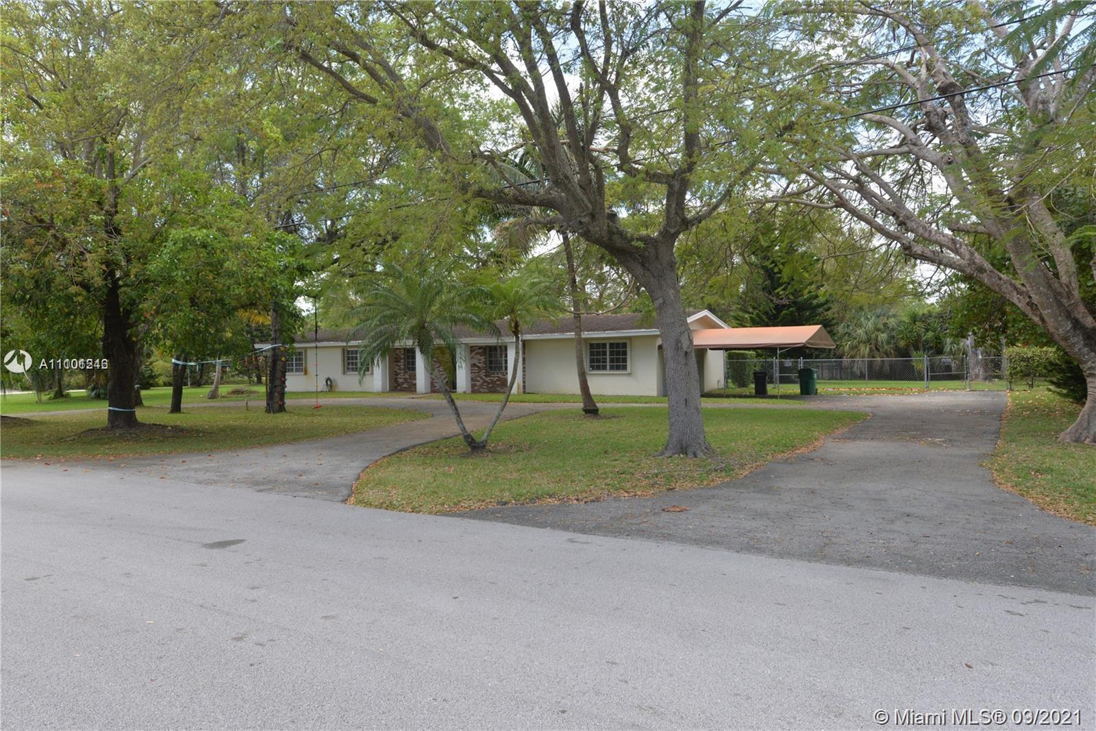 Single Family Home,For Rent,9700 SW 92nd Ave, Miami, Florida 33176,Brickell,realty,broker,condos near me