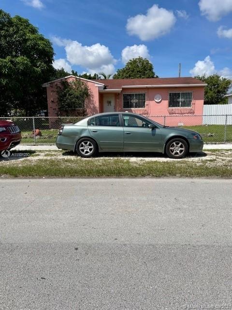 Single Family Home,For Sale,5920 E 5th Ave, Hialeah, Florida 33013,Brickell,realty,broker,condos near me