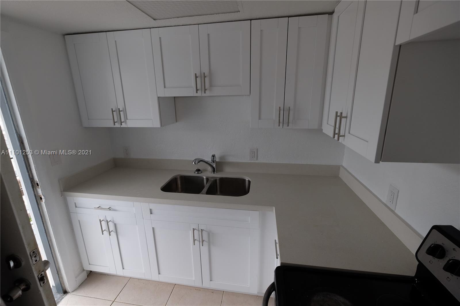 THE WHITE HOUSE CONDO Condo,For Rent,THE WHITE HOUSE CONDO Brickell,realty,broker,condos near me