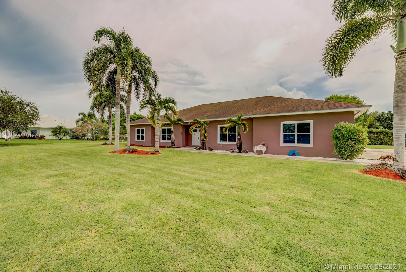 Single Family Home,For Sale,28915 SW 193rd Ct, Homestead, Florida 33030,Brickell,realty,broker,condos near me