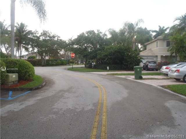 Pembroke Isles - 2124 NW 171st Ter, Pembroke Pines, FL 33028