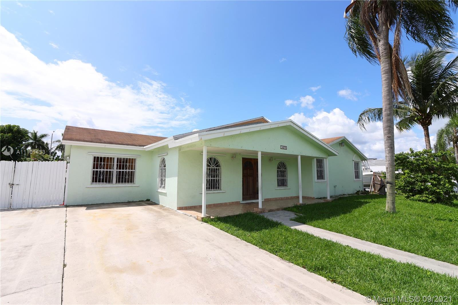 Single Family Home,For Sale,14270 SW 287th St, Homestead, Florida 33033,Brickell,realty,broker,condos near me