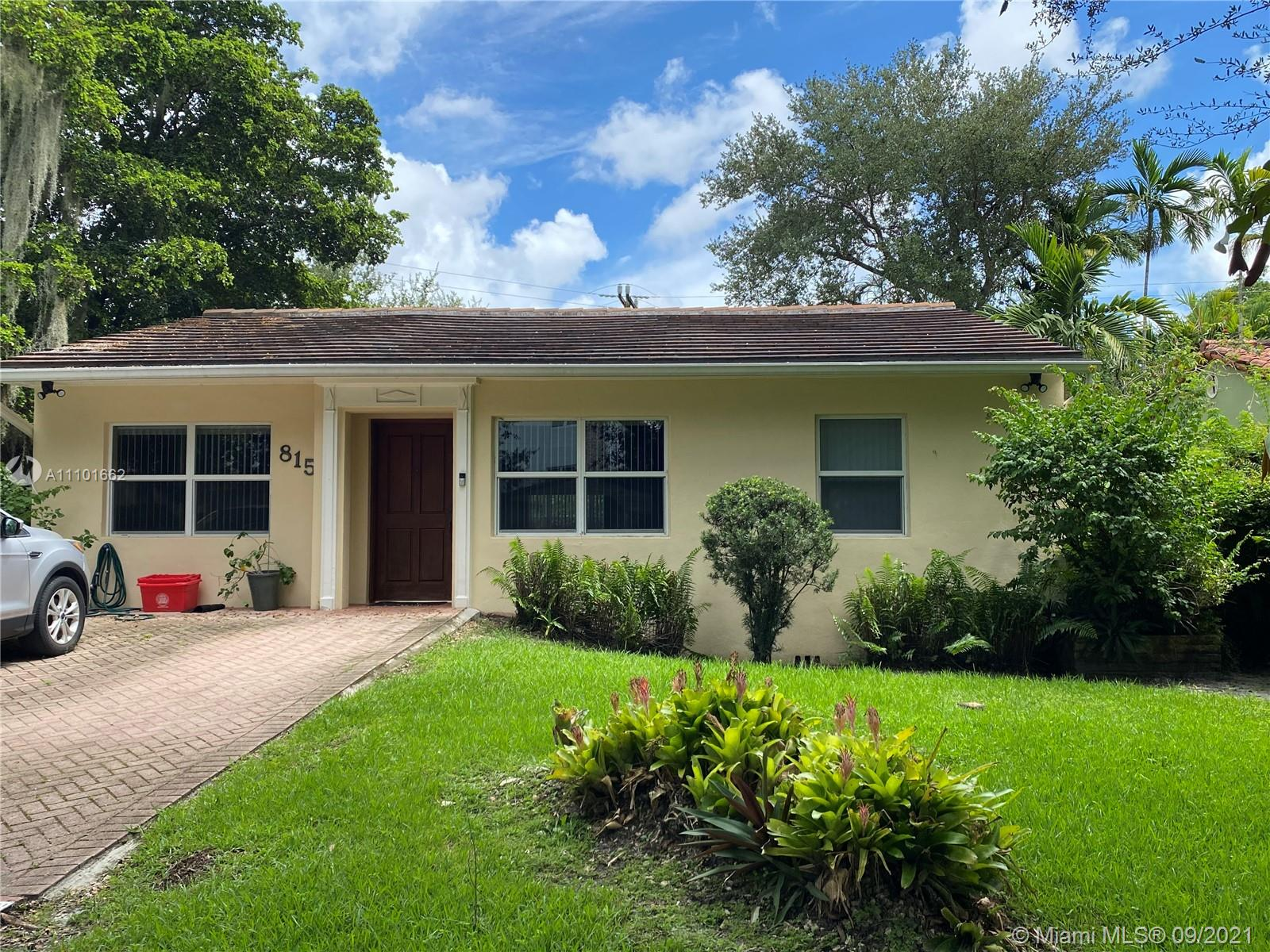 Single Family Home,For Sale,815 Monterey St, Coral Gables, Florida 33134,Brickell,realty,broker,condos near me