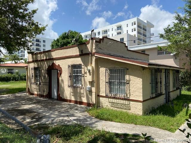 Single Family Home For Rent TAMIAMI HEIGHTS895 Sqft