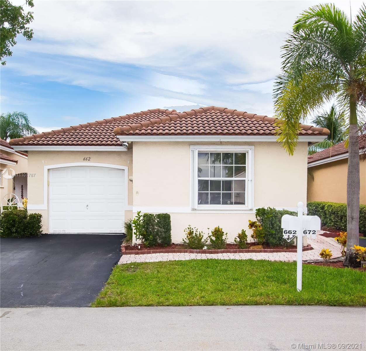 Silver Lakes - 662 NW 173rd Terrace, Pembroke Pines, FL 33029