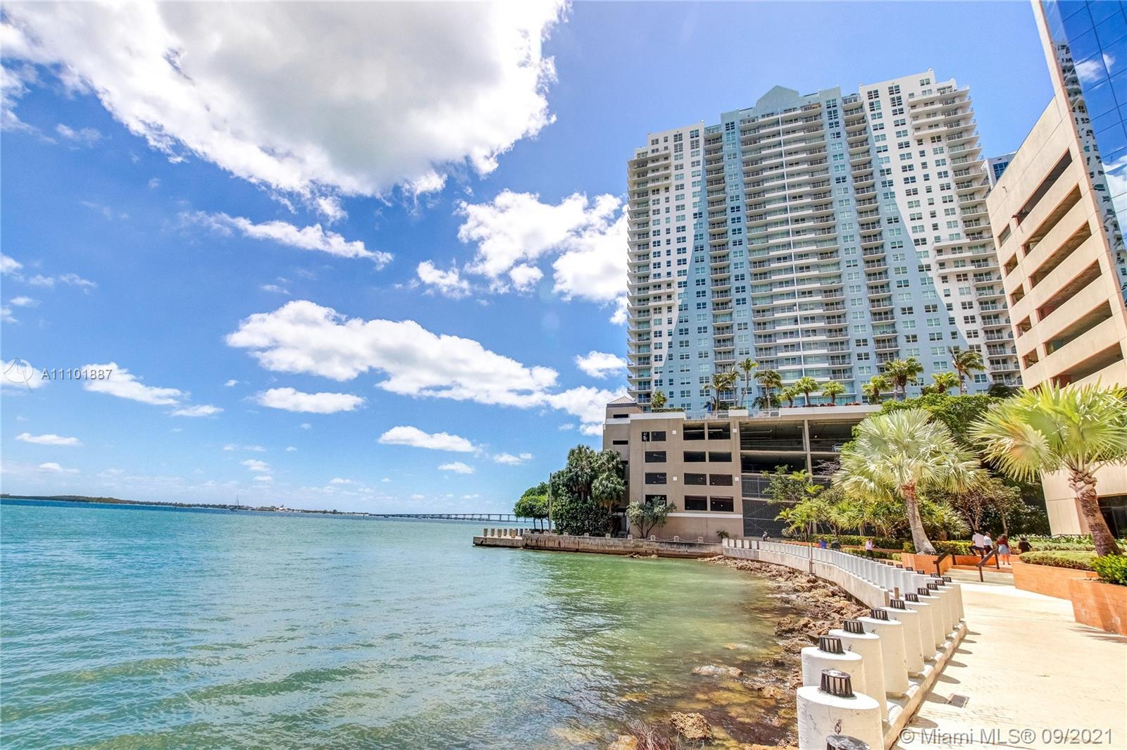 Condo For Rent at Yacht Club Brickell