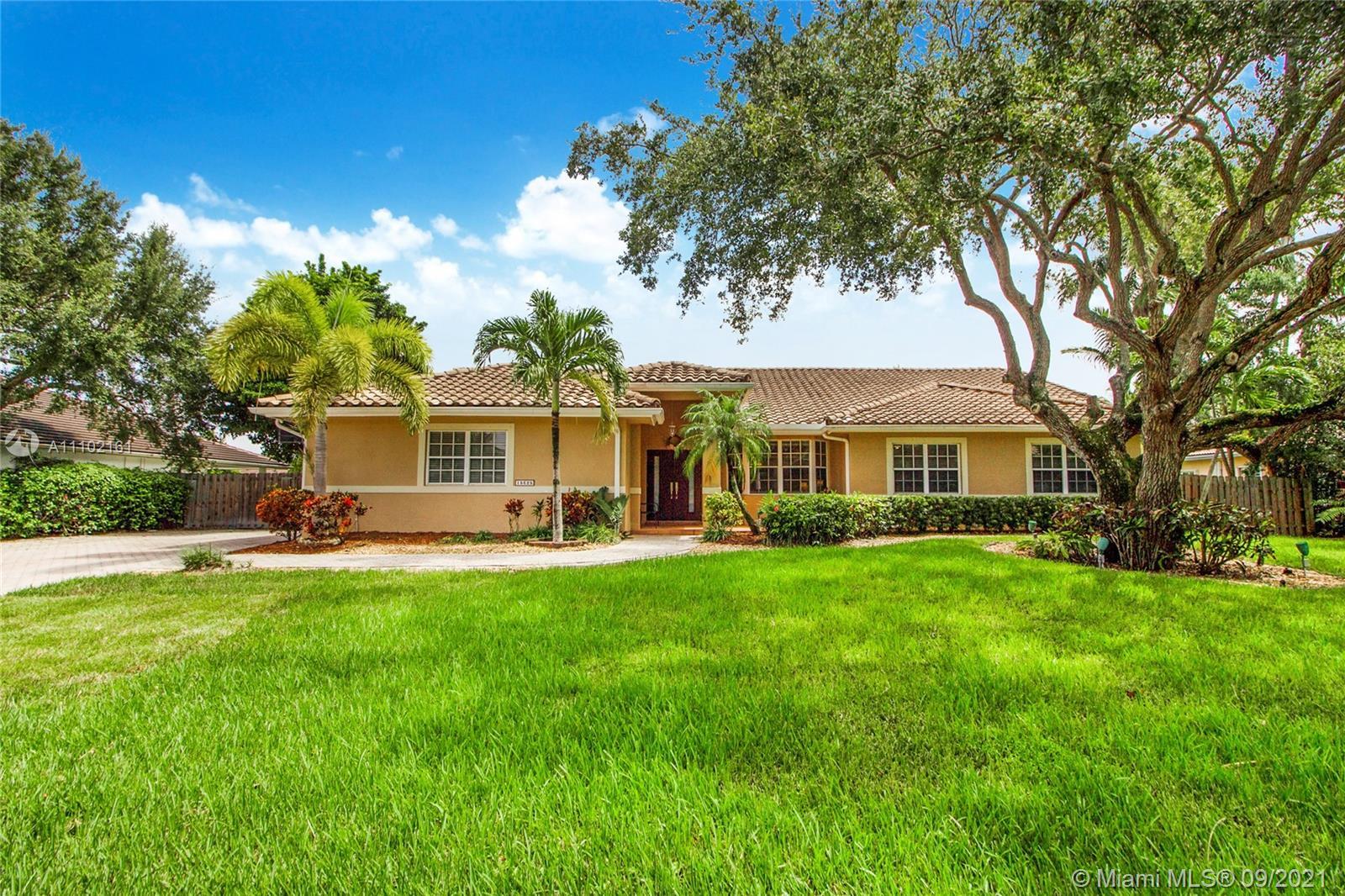 Single Family Home,For Sale,15625 SW 78th Pl, Palmetto Bay, Florida 33157,Brickell,realty,broker,condos near me