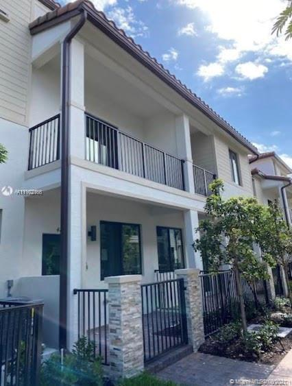 Condo For Sale at DOWNTOWN DORAL SOUTH PHAS,LENNAR