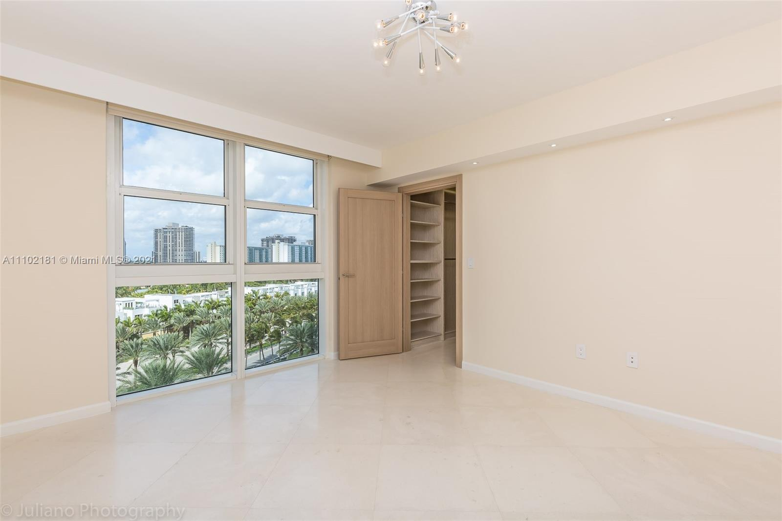 18911 COLLINS AVE #905 photo026