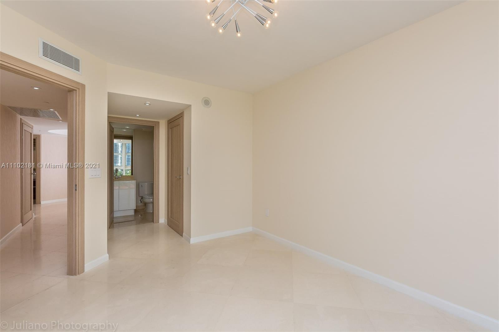 18911 COLLINS AVE #905 photo032