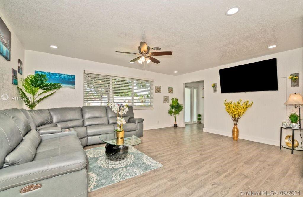 Hollywood Hills - 5510 Pierce St, Hollywood, FL 33021