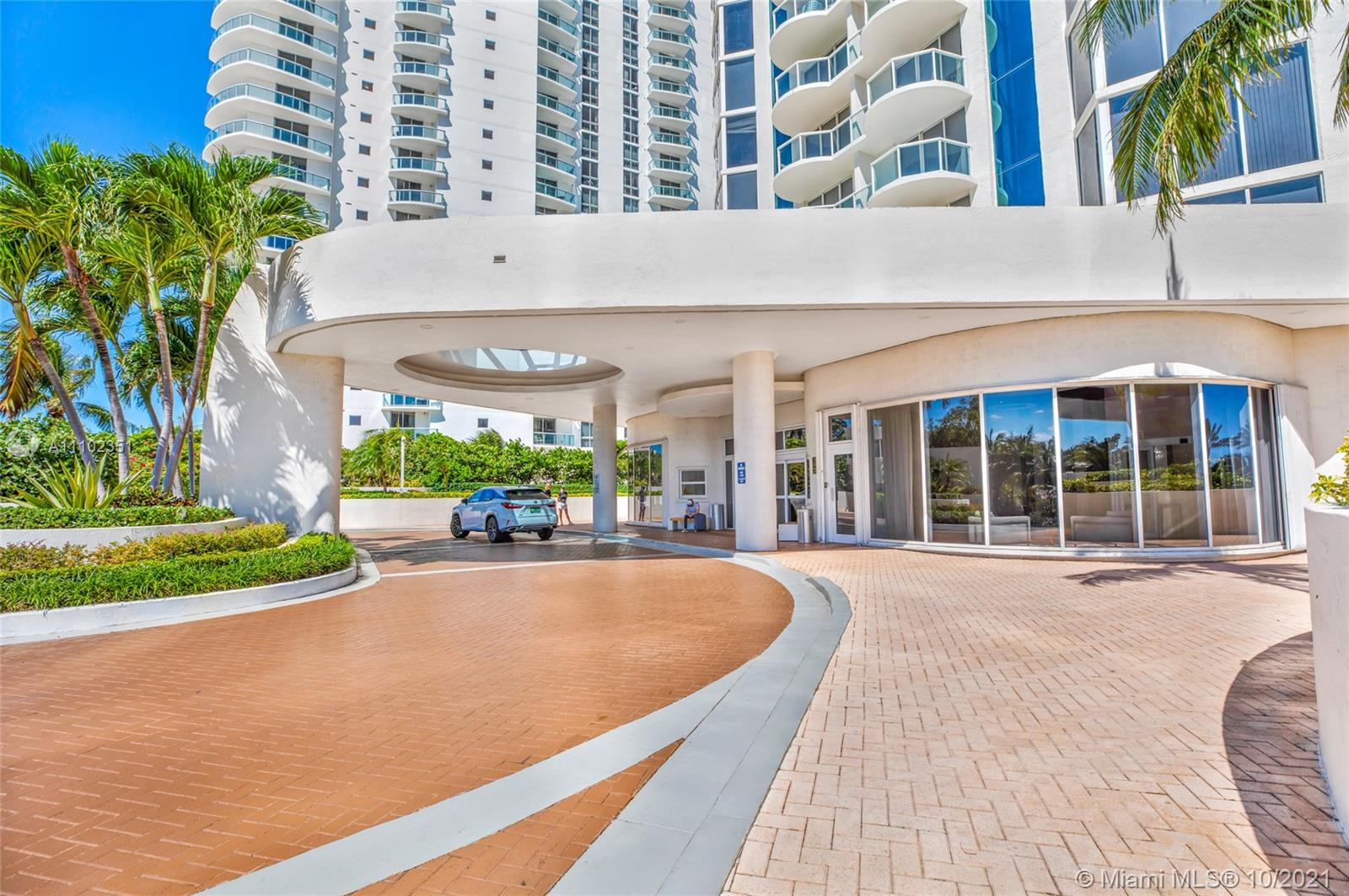 18671 Collins Ave #2401 photo04