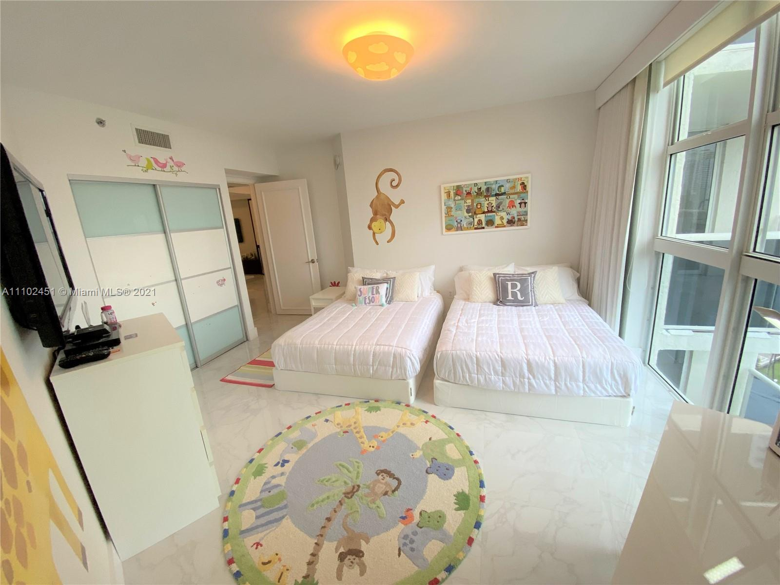 19111 Collins Ave #807 photo016