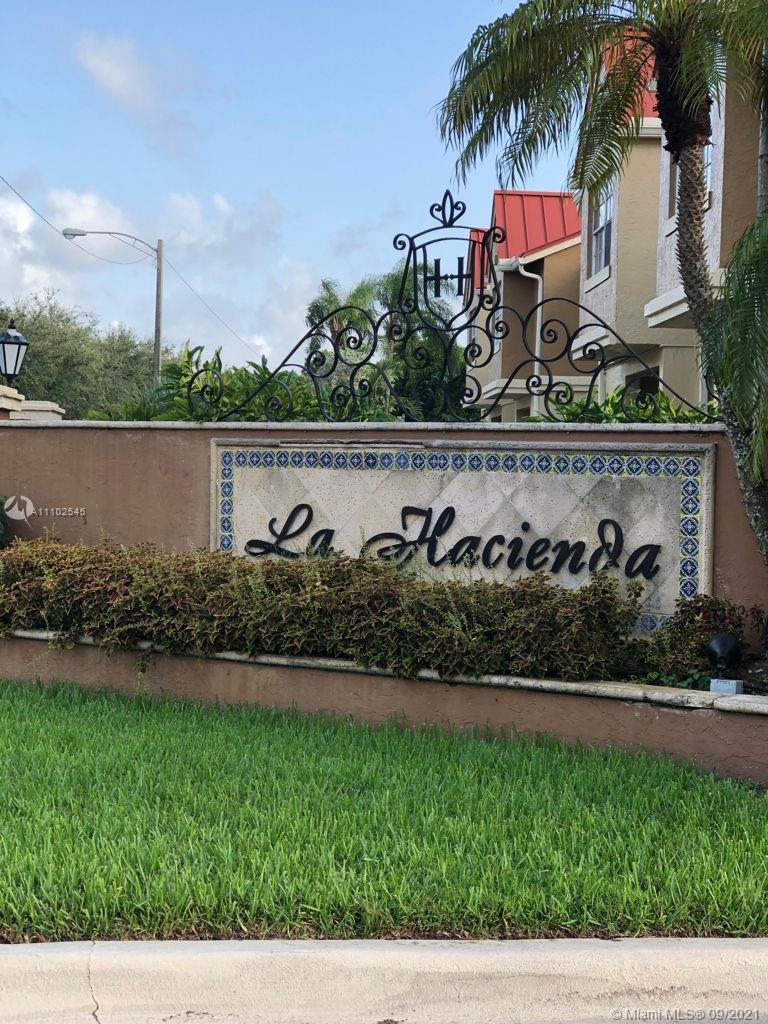 LA HACIENDA COUNTRY CLUB Condo,For Rent,LA HACIENDA COUNTRY CLUB Brickell,realty,broker,condos near me