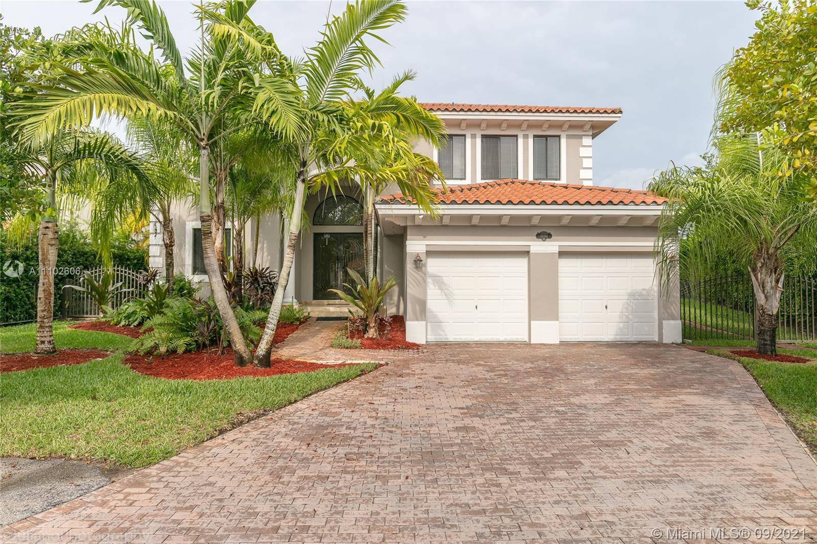 Single Family Home,For Rent,18881 SW 74th Ct, Cutler Bay, Florida 33157,Brickell,realty,broker,condos near me
