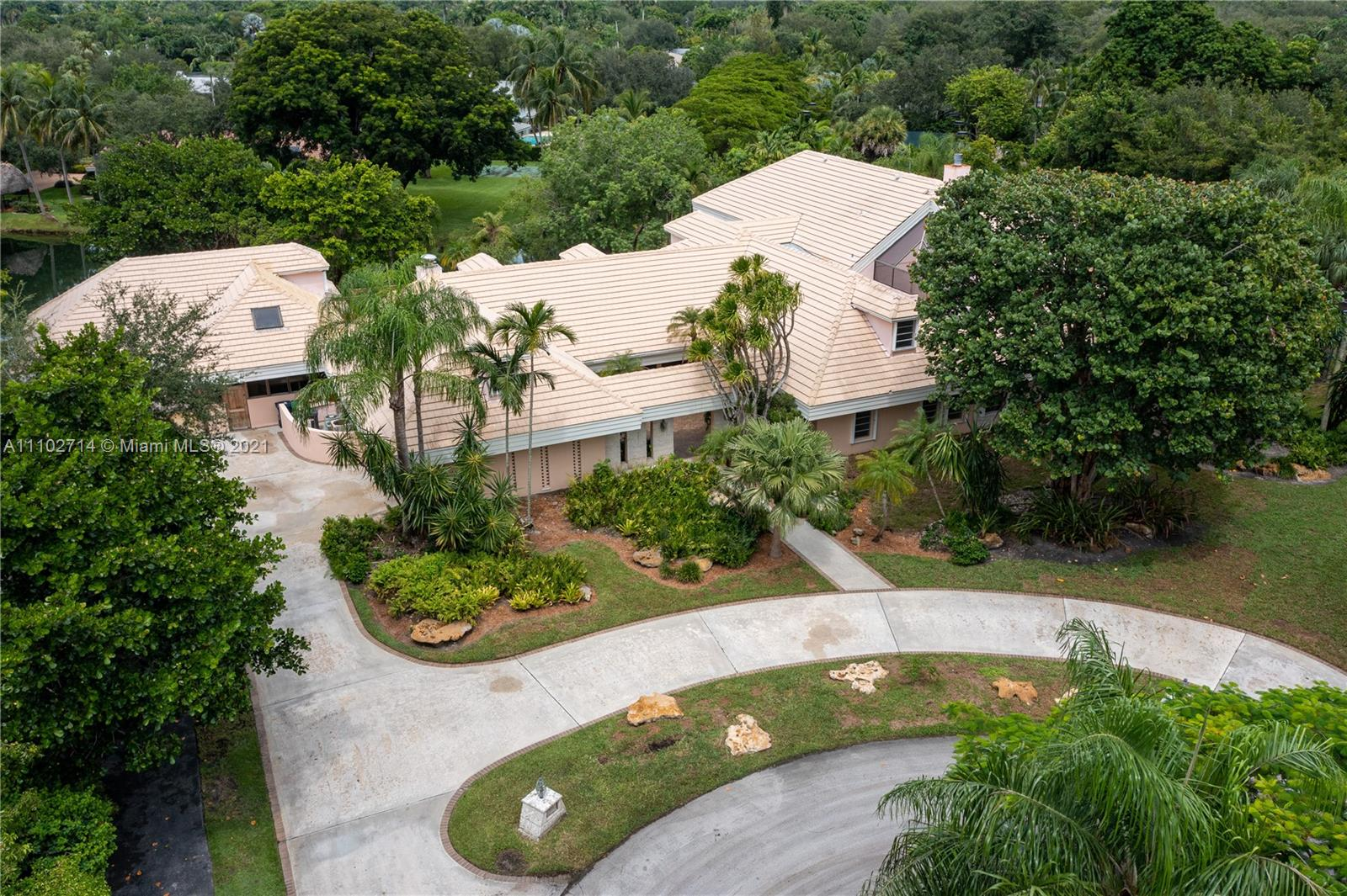 Single Family Home,For Sale,11000 SW 69th Ct, Pinecrest, Florida 33156,Brickell,realty,broker,condos near me