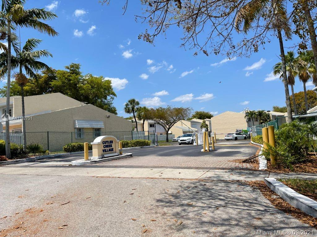 Single Family Home,For Sale,22101 SW 103rd Ave, Cutler Bay, Florida 33190,Brickell,realty,broker,condos near me