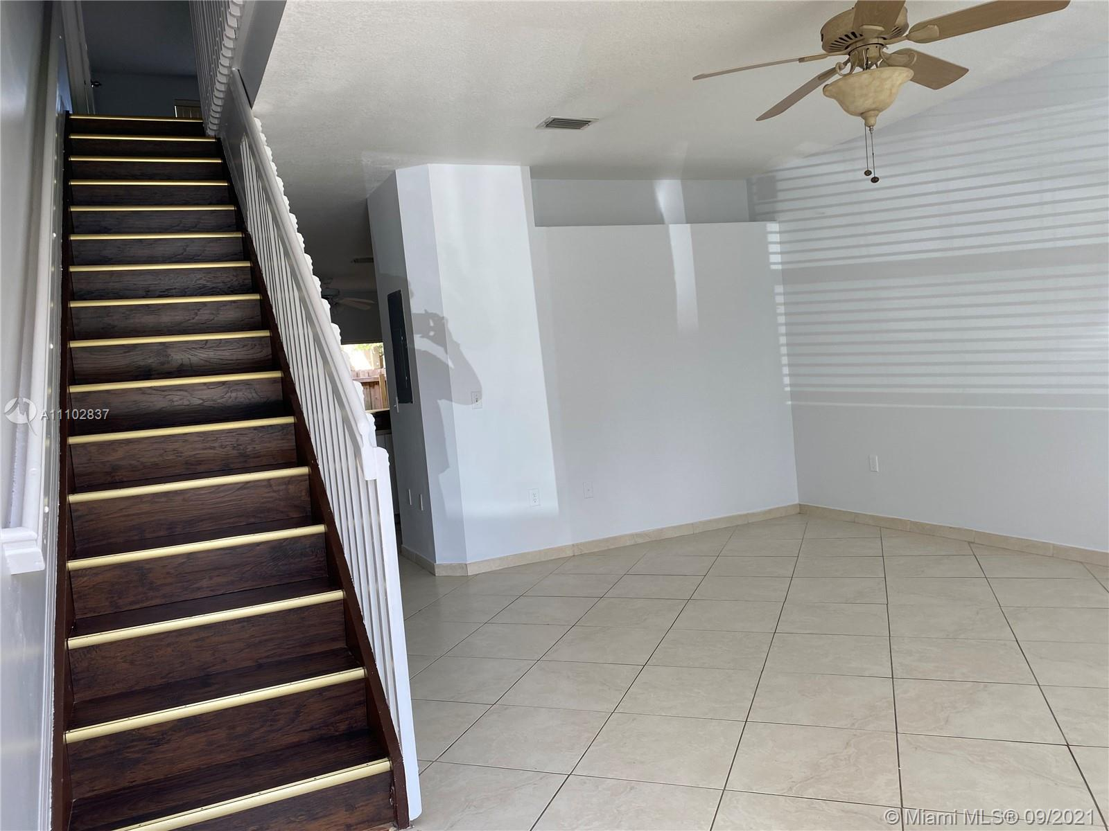 TownGate Condo,For Rent,TownGate Brickell,realty,broker,condos near me