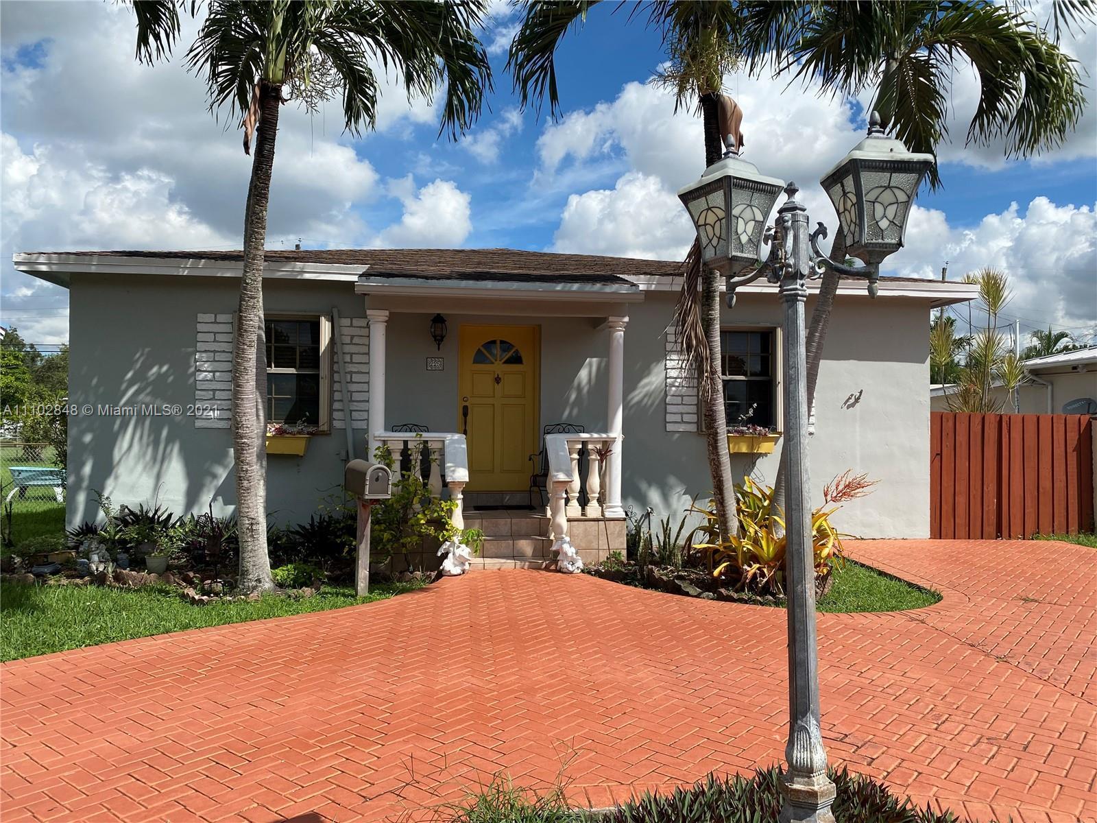 Single Family Home,For Sale,225 Corydon Dr, Miami Springs, Florida 33166,Brickell,realty,broker,condos near me