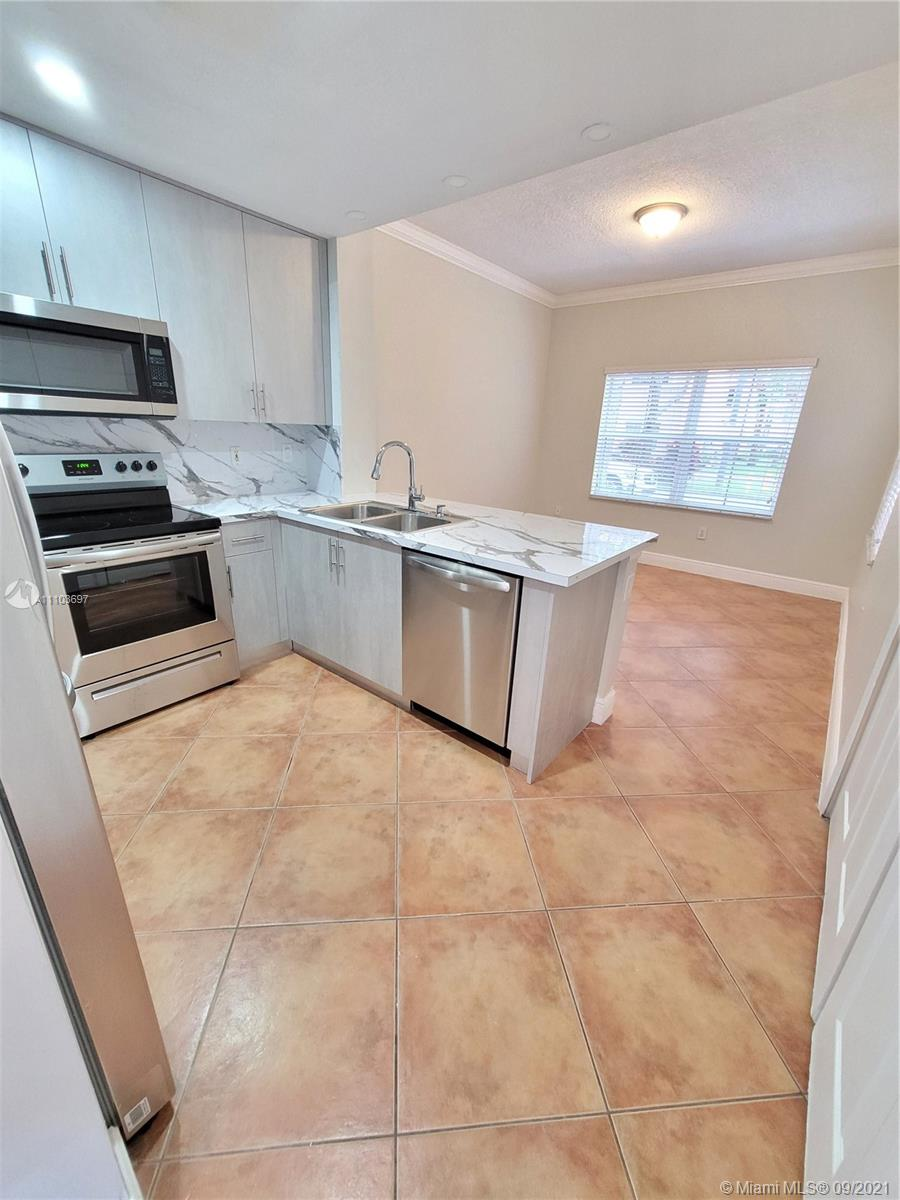 8551 NW 141st Ter #301 photo011