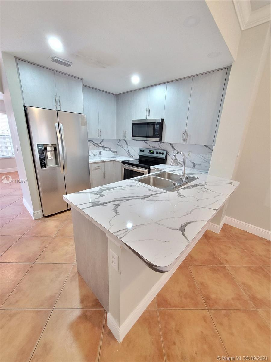 8551 NW 141st Ter #301 photo08