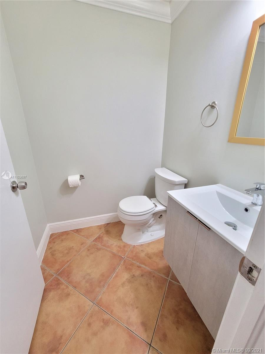 8551 NW 141st Ter #301 photo021