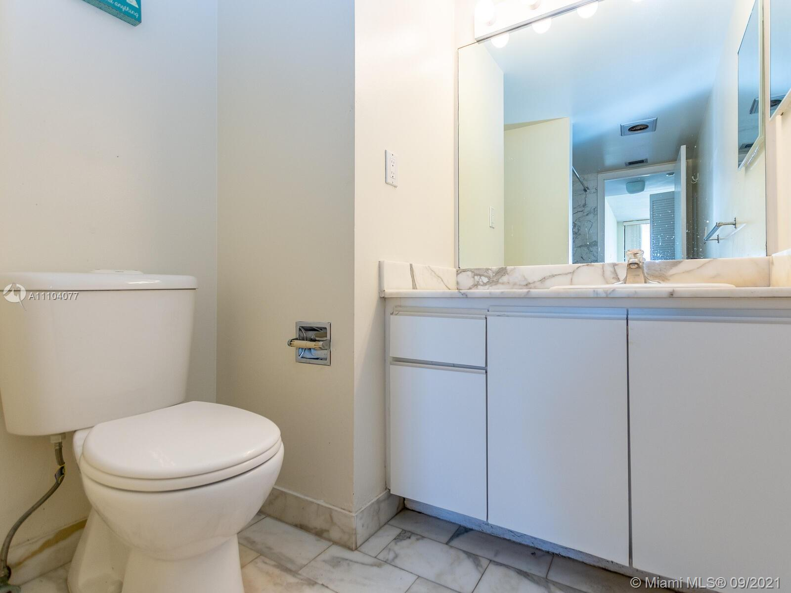 2555 Collins Ave #2200 photo042