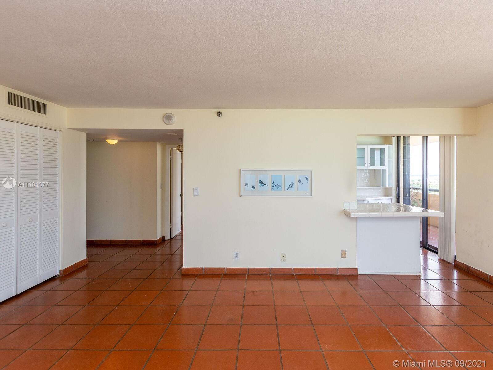 2555 Collins Ave #2200 photo017