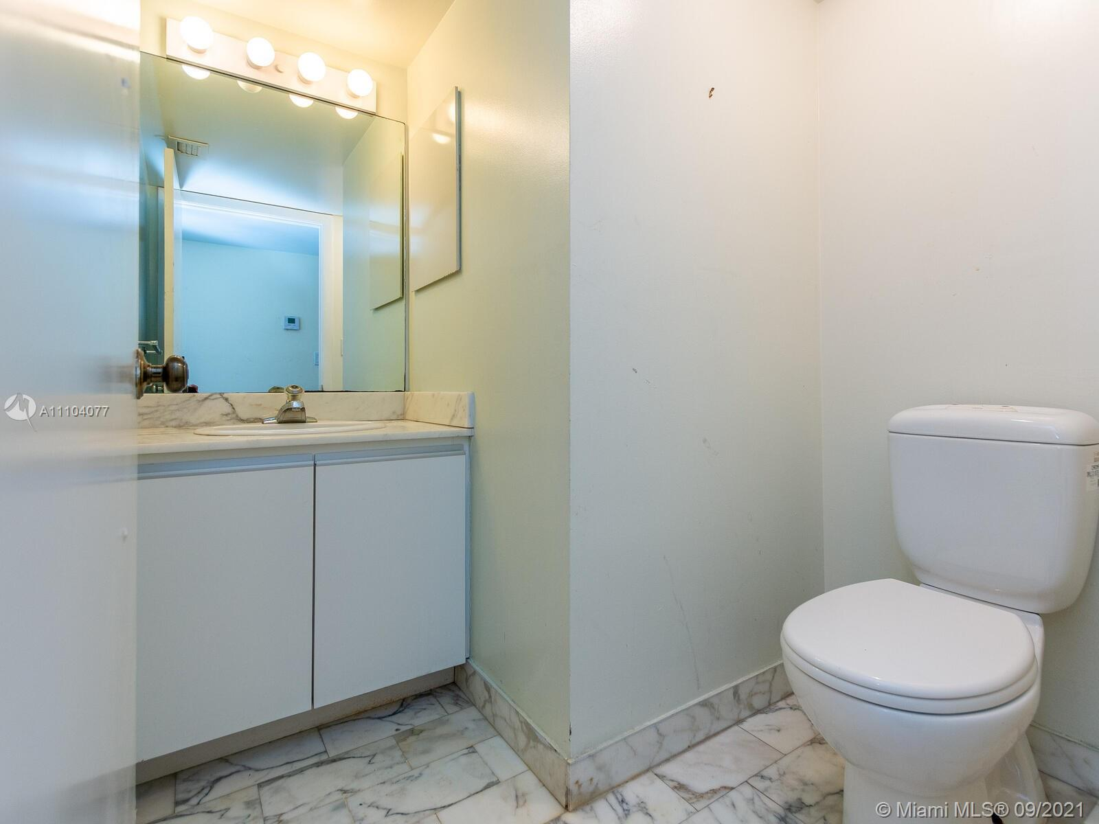 2555 Collins Ave #2200 photo024