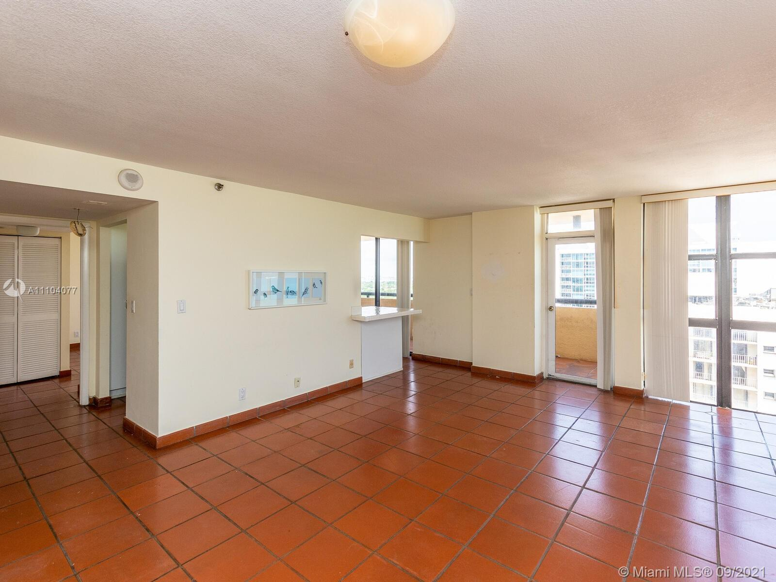 2555 Collins Ave #2200 photo011