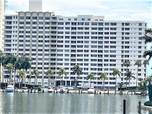 Carriage Club North Tower #420 - 5005 Collins Ave #420, Miami Beach, FL 33140