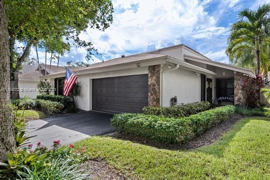 Emerald Hills - 79 Ivy Rd, Hollywood, FL 33021