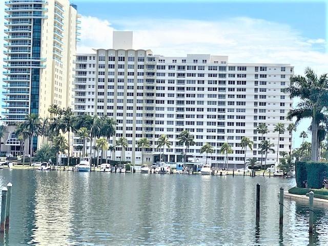 Carriage Club North Tower #707 - 5005 Collins Ave #707, Miami Beach, FL 33140