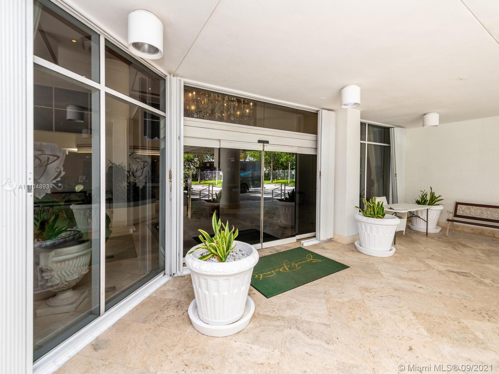 16711 Collins Ave #1003 photo02