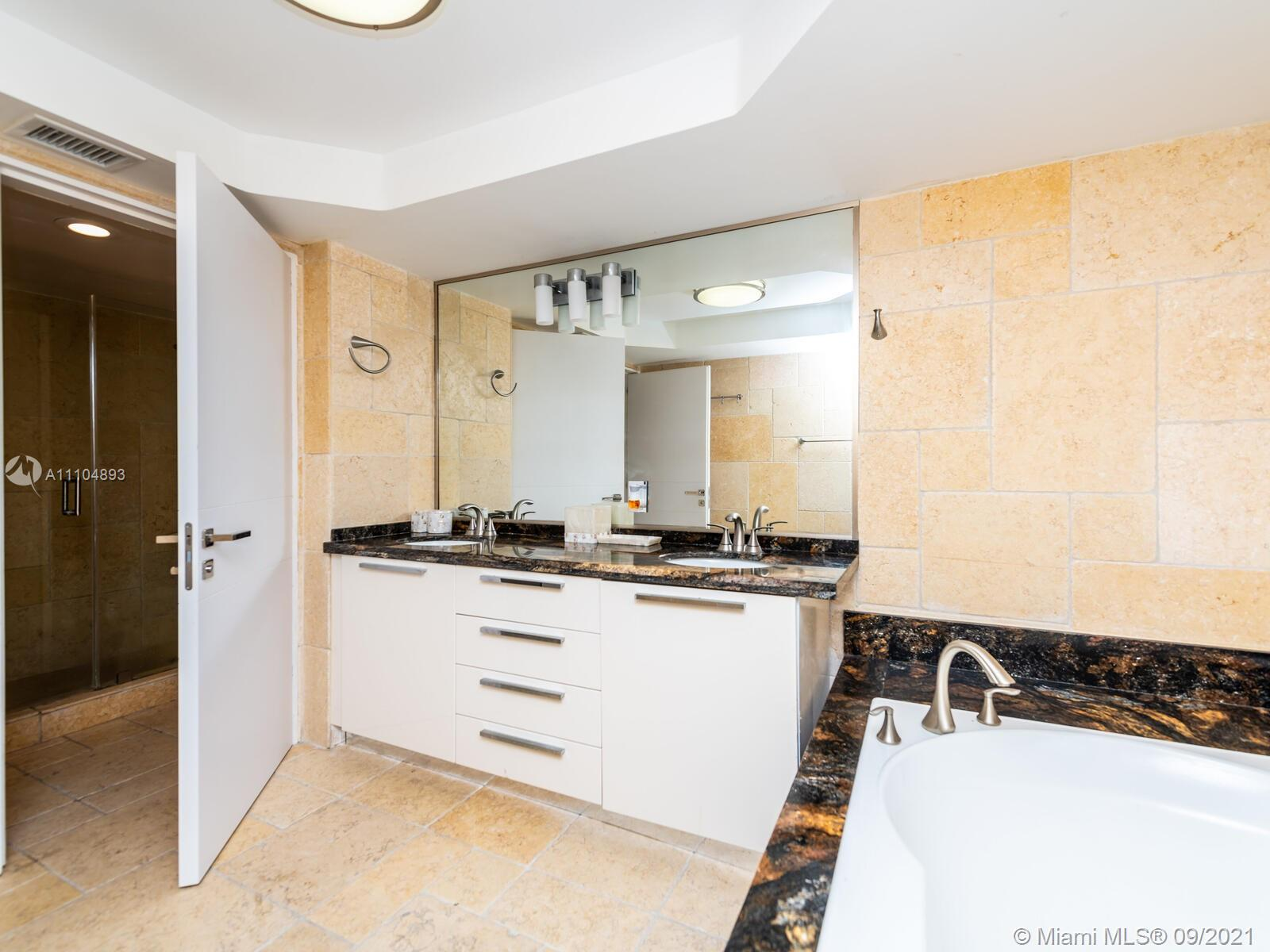 16711 Collins Ave #1003 photo046