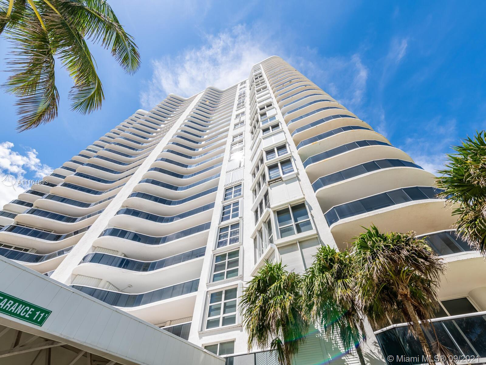 16711 Collins Ave #1003 photo01